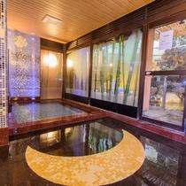 リニューアルした掛け流しの内湯【月の湯】は、ムーンロードや竹取物語をモチーフにした内装になりました