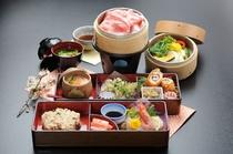 大山豚&彩り野菜のセイロ蒸.jpg