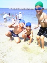 千鳥が浜 海水浴 子供達