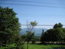 窓から見える朝の景色もごちそうのひとつです