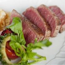 【鉄板料理一例】レストラン4つのディナーコースの内のひとつ、鉄板焼きの料理一例です。