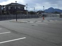 ひろびろ駐車場.