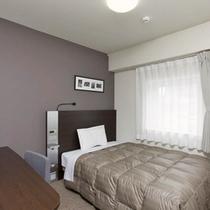 ◆ダブルエコノミー◆広さ14平米◆ベッド幅140cm◆全客室サータ社製のポケットコイルマットレス♪
