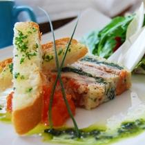 <洋食一例>シェフが腕によりをかけた西洋ディナーコースをお楽しみください。