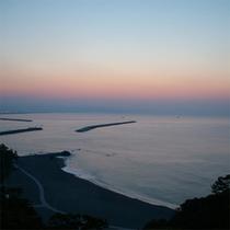 客室からの眺め(日の出前)