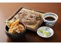 ミニ天丼とそばセット(650円)