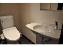 4階和室 トイレ内