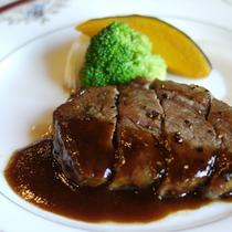 【旬祭グルメコース一例】メインには牛フィレのステーキをお召し上がり下さいお♪