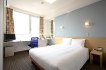 シングルルーム 140cmのベッド 16.5平米