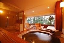 【特別室】客室露天風呂と、オープンテラス。刻々と移り変わる天橋立の景色をお楽しみ下さい