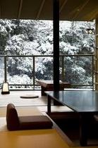 季 ダイニング 雪景色