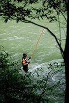 オーナー自ら釣り上げる天然鮎