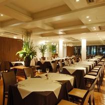 レストラン:落ち着いた雰囲気の中でおいしい料理をお愉しみ下さい