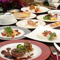 長崎の季節の海の幸、山の幸を使ったオリジナル創作料理です