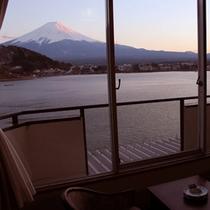 本館スタンダードからの富士山