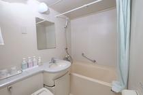 バスルーム(広く清潔な室内)