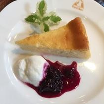 【デザート*自家製チーズケーキ】