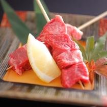 【追加オプション】当館自慢の飛騨牛串です。香ばしい焼きたての味をご堪能ください。2本1,600円