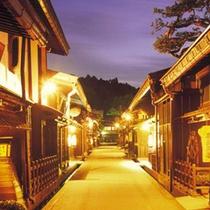 冬の古い町並み散策をお楽しみください。