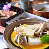*夕食(一例)/心がほっこりするおかみの手作り料理。心行くまでご堪能ください♪