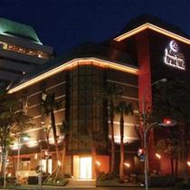 ホテル外観 [夜]