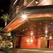 ホテル玄関 [夜①]