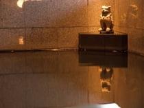 2階大浴場「久茂地湯」シーサー