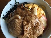 更科の「肉丼」