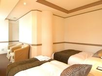 ★大地をイメージ★茶がテーマのツインルーム。23平米の広々としたお部屋