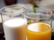 【朝食】フレッシュミルク&ジュース