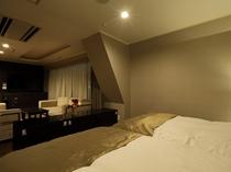 ■スイート・ルーム42㎡◆セミダブル(120cm幅×200cm)×2台 ソファーベッド×2台