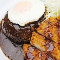 【夕食】ルートインオリジナル上田カリー。辛さもお好みで調整できるのでスタッフへお声掛けくださいませ。