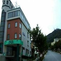 函館元町八幡坂に佇むプチホテル