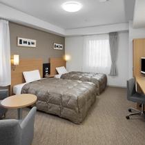 ◆ツインスタンダード◆広さ24平米◆ベッド幅123cm×2台◆小学生以下のお子様の添い寝も無料です♪