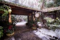 雪正面玄関