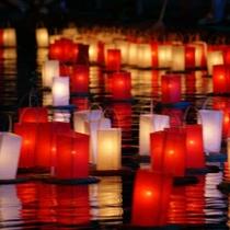 歳時/宮津燈籠流し花火大会。8/16は宮津燈籠流し花火大会!日本三大燈籠流しの一つとされています。