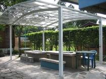 ログハウス別荘のバーベキューコーナー