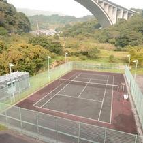 *テニス/ラケットとボールの貸し出しも可能です。