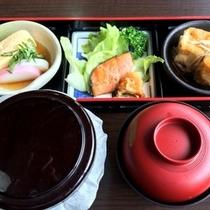 ご朝食1  ※お食事内容は季節・仕入状況に準じ変更となる場合がございます。
