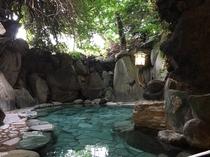 露天風呂 岩風呂の湯