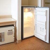 客室冷蔵庫・金庫