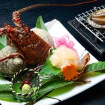 ■料理(伊勢造りと鮑少し見切れ)