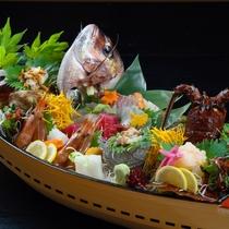 ■舟盛(鯛・伊勢エビ・さざえ・など8種)