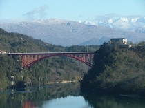 冬の恵那峡とアルプス