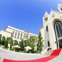 ホテルと教会