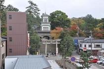 ホテルから50歩の尾山神社