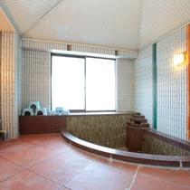 【小浴場】17:00~22:00※不定期営業となります。チェックイン時にお問合せ下さい。