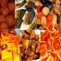 人気の和食朝食バイキング。ごはんが進むおかずがいっぱいですよ!
