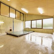 *女湯/野呂山のキレイな高原水で沸かしたお風呂。ごゆっくりと癒しのひと時をお過ごし下さい。