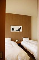 デラックス&OVS ベッド
